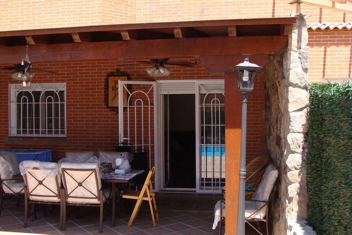 exclusivas-joma,,cerramientos-de-salon,ambientes-con-ventanales,pvc-y-aluminio,rejas-de-seguridad,tres-cantos-(3)