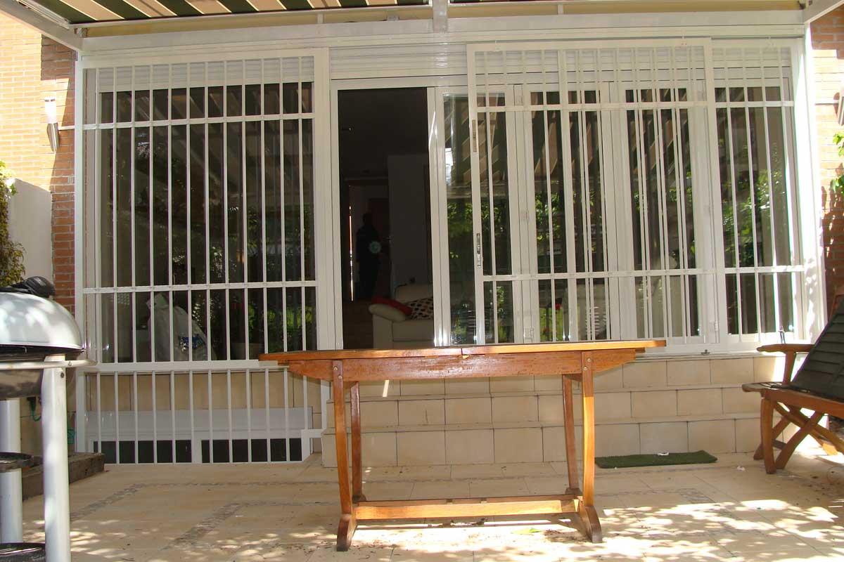 exclusivas-joma,,cerramientos-de-salon,ambientes-con-ventanales,pvc-y-aluminio,rejas-de-seguridad,tres-cantos-(7)
