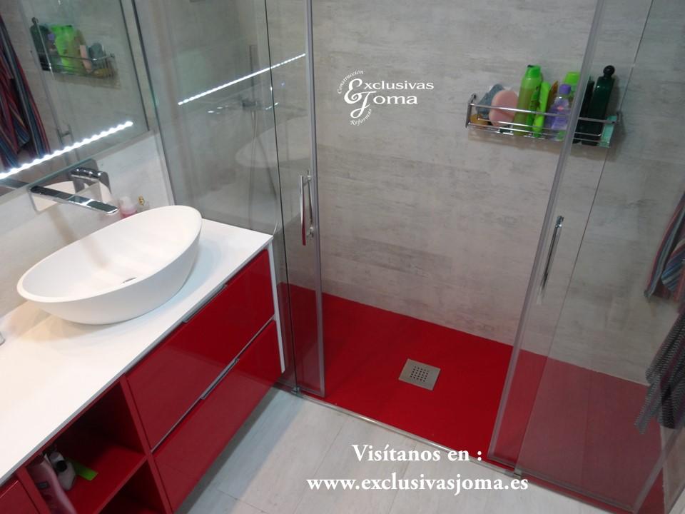 Combinamos los colores como tu quieras, el plato de ducha del mismo Ral que el muebles e baño lacado, hacemos que la reforma de tu baño sea unica