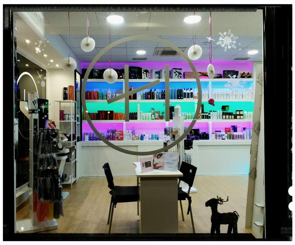 Exclusivas Joma reforma de tienda Hairlab en Tres Cantos, reforma tu local comercial con nosotros, decoracion, interiorrismo y reforma todo en uno (5)