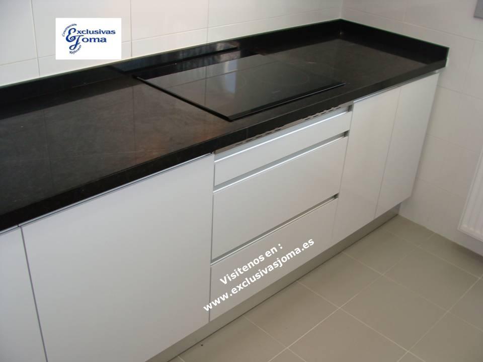 Reformas integrales de cocinas en tres cantos muebles de - Cocinas con encimera de granito ...