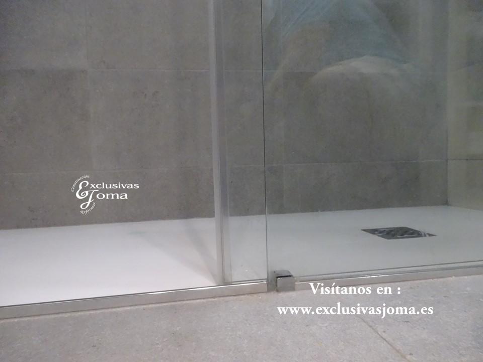 Reforma de baño en Tres cantos zona Sector planetas, sanitarios Roca meridian,cisterna Geberit,mueble de baño a medida (5)