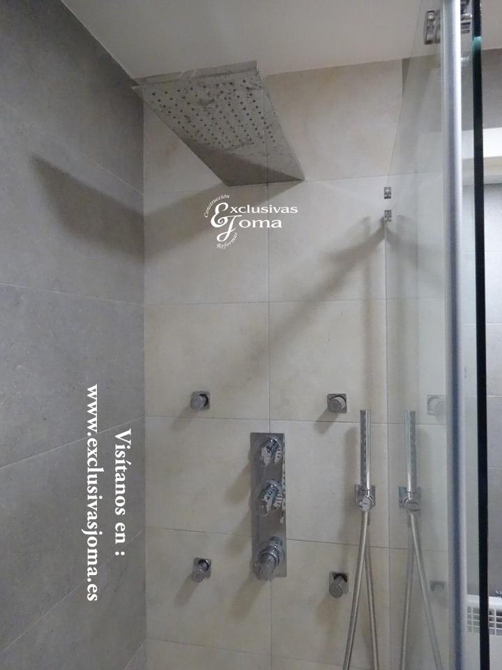 Reforma de baño en Tres cantos zona Sector planetas, sanitarios Roca meridian,cisterna Geberit,mueble de baño a medida (9)