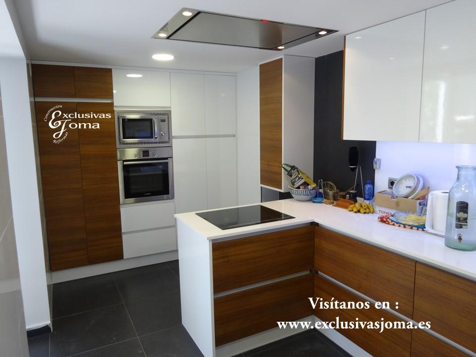 Reforma de chalet integral en tres cantos, muebles de cocina Antalia de diseño, encimera de Silestone blanco zeus,electrodomesticos Pando y Bosch (2)