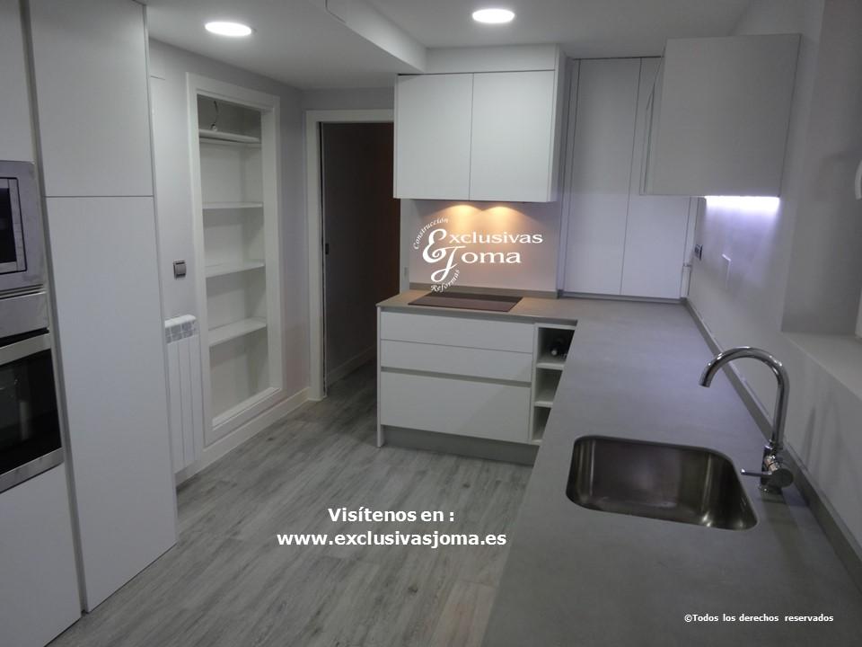 Reforma de cocina integral, reformas de cocinas en Tres cantos, tirador gola, acabado de cocina Antalia blanco mate seda y electrodomesticos bosch y Siemens (1)