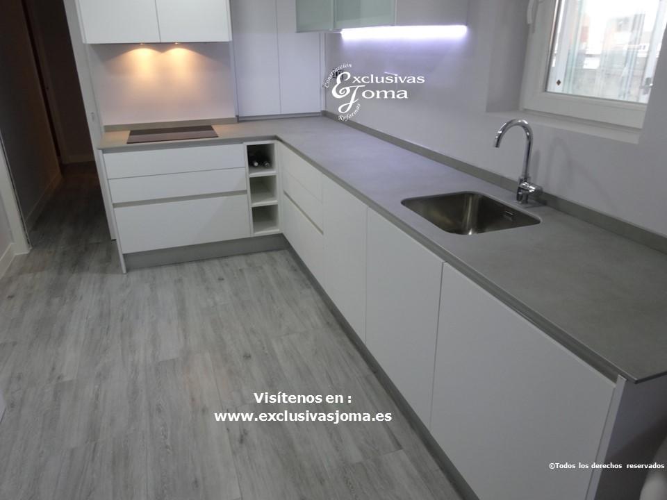 Reforma de cocina integral, reformas de cocinas en Tres cantos, tirador gola, acabado de cocina Antalia blanco mate seda y electrodomesticos bosch y Siemens (3)