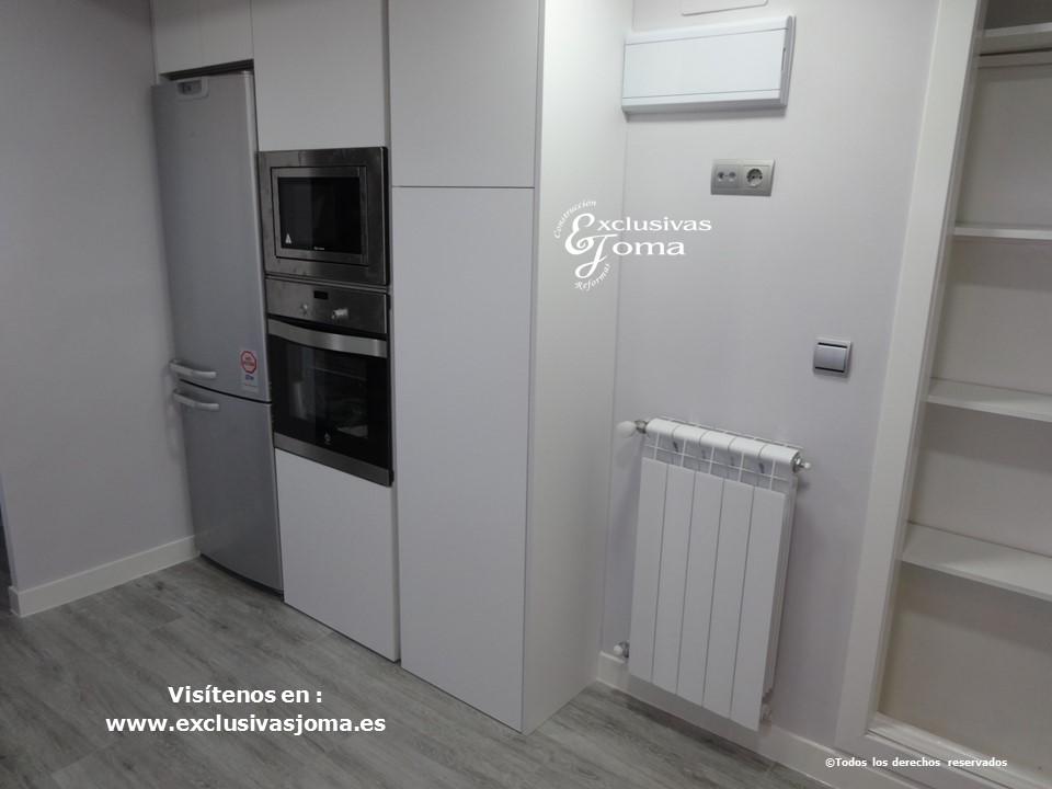 Reforma de cocina integral, reformas de cocinas en Tres cantos, tirador gola, acabado de cocina Antalia blanco mate seda y electrodomesticos bosch y Siemens (5)