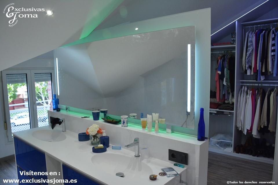 Reforma en Tres Cantos en chalet, baño reformado con bañera Novellini, plato de ducha antideslizante, muebles de baño kyrya a medida y espejo led colores, griferia tres (8)