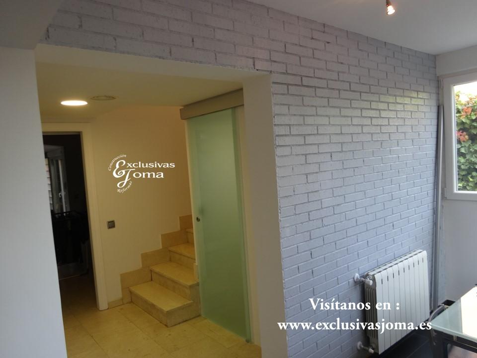 Reformas integrales en interiores de chalets en tres cantos - Cristal puerta salon ...