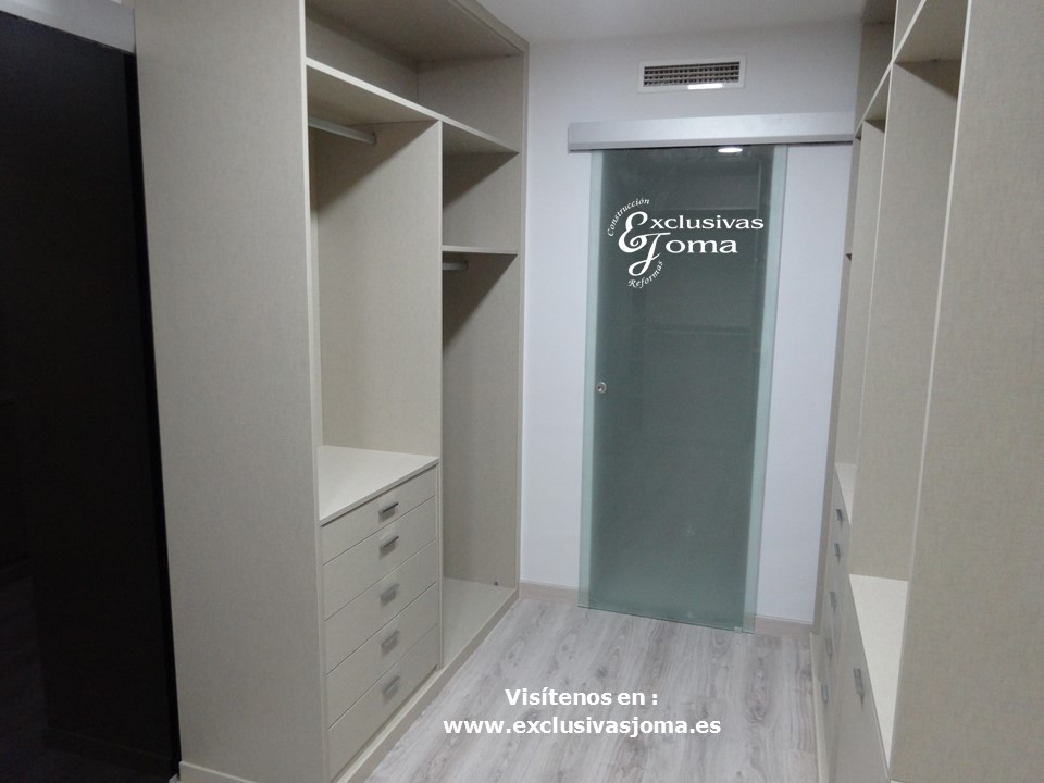 Armarios dormitorio a medida finest armarios dormitorio a for Dormitorios juveniles baratos sin armario