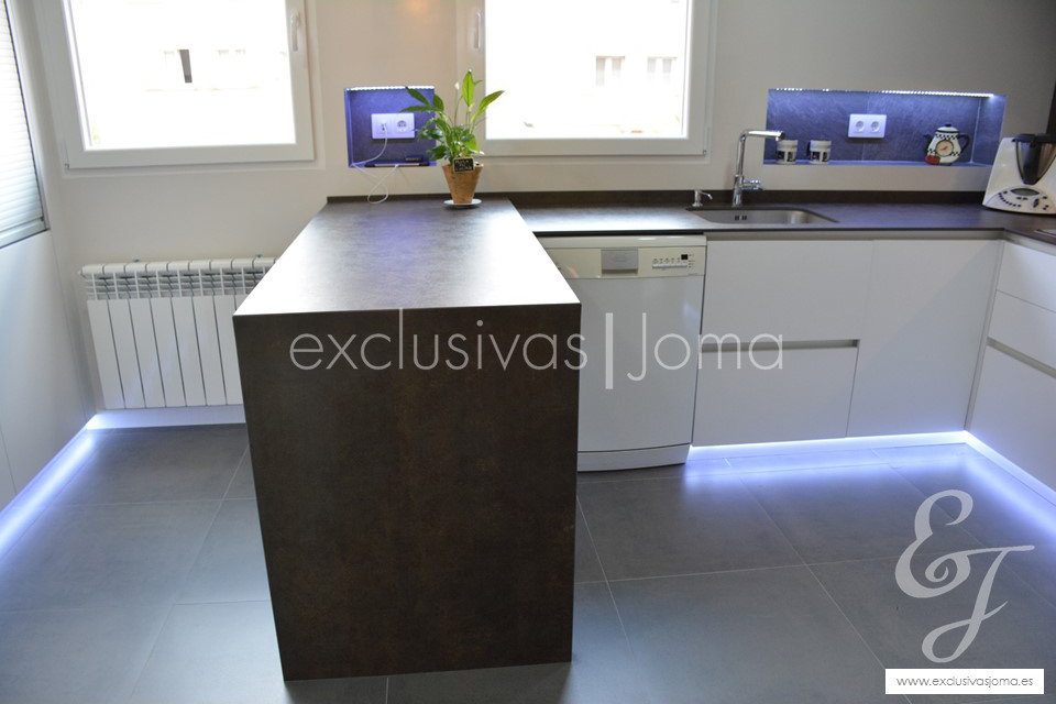 exclusivas-jomareforma-de-cocina-tres-cantos-reforma-cocina-integralantalia-cocinasmuebles-cocinaneolithde-dietrich-liebherr-4