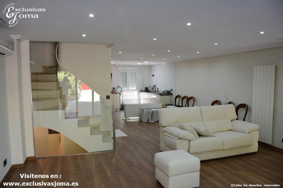 Reformas integrales en interiores de chalets en tres cantos for Decoracion de viviendas interiores
