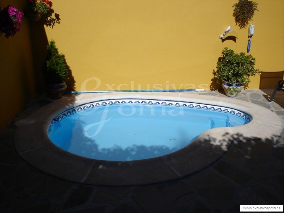 Reformas de jardines e instalacion de piscinas prefabricadas - Decoracion de jardines con piscina ...