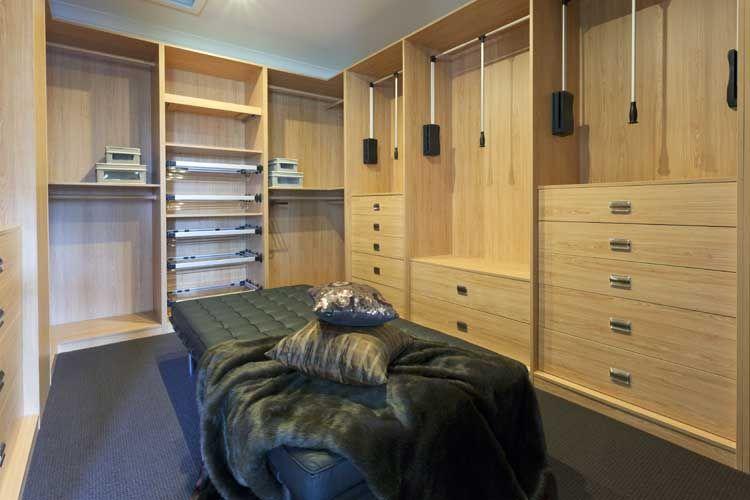 Armarios a medida,armarios virian,armarios vifren, armarios tres cantos,,carpinteria de madera, vestidores,distribucion de armarios,frentes armario